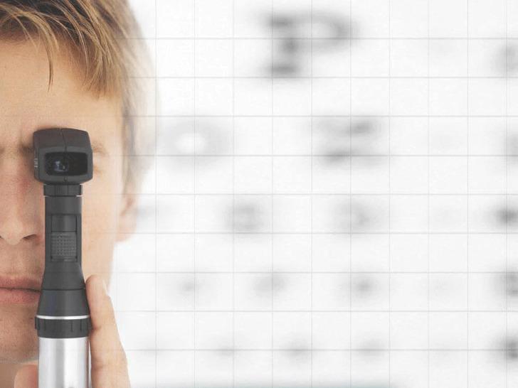 Medical Powerpoint Templates-Optometrist